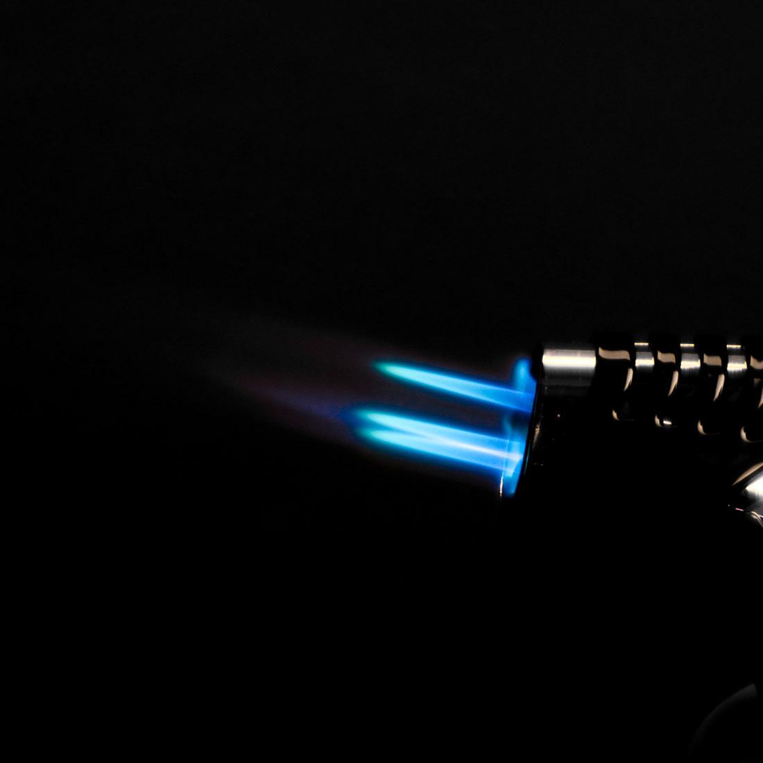 Briquet chalumeau acheter 99centime - Comment recharger un briquet ...