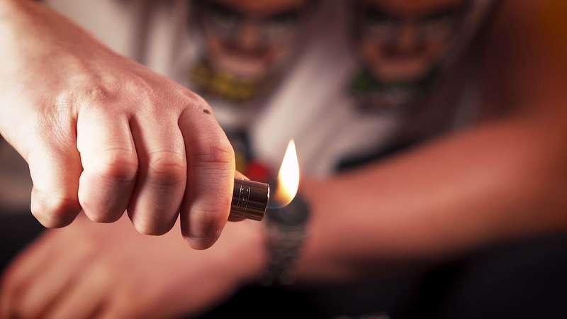 regler flamme briquet clipper
